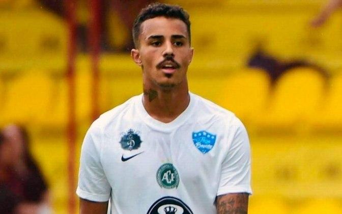 FECHADO - O São Caetano confirmou, neste domingo, a contratação do cantor Mc Livinho para a disputa da Copa Paulista. De acordo com o portal