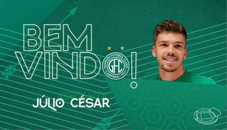 FECHADO - O sistema ofensivo do Guarani ganhou uma cara nova pensando na temporada 2021. Na última quarta-feira (17), o clube se pronunciou nas redes sociais para comunicar a chegada do atacante Júlio César, nome que estava no futebol europeu defendendo a equipe portuguesa do Portimonense.