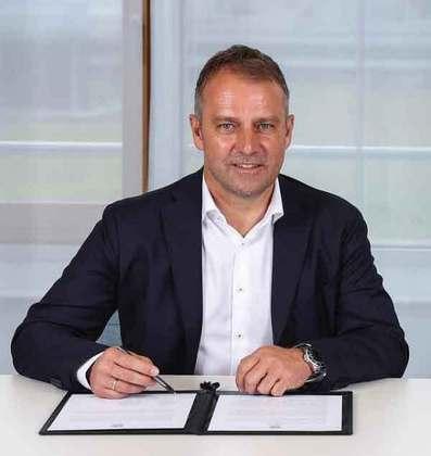 FECHADO - O técnico Hansi-Flick foi anunciado como novo técnico da Alemanha nesta terça-feira. O comandante irá suceder Joachim Low após a disputa da Eurocopa e permanece no cargo até 2024. Segundo o