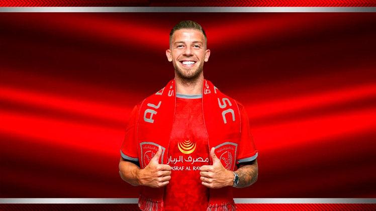 FECHADO - O Tottenham confirmou a saída do zagueiro belga Toby Alderweireld para o Al Duhail, do Qatar.