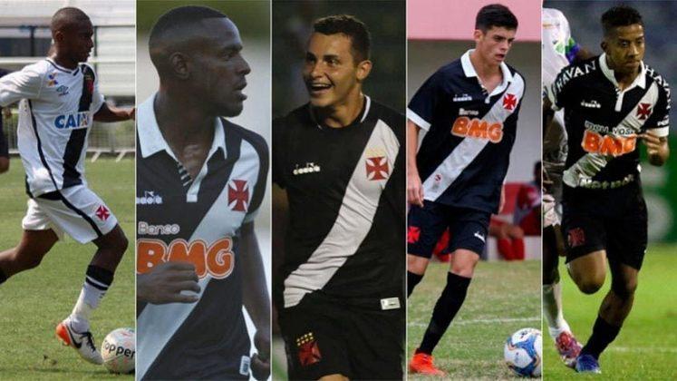 FECHADO - O Vasco anunciou, no início da noite desta quinta-feira, a extensão contratual de cinco jogadores: do lateral-direito Cayo Tenório, do zagueiro Ulisses, do volante Bruno Gomes, do meia Gabriel Pec e do atacante Vinícius.