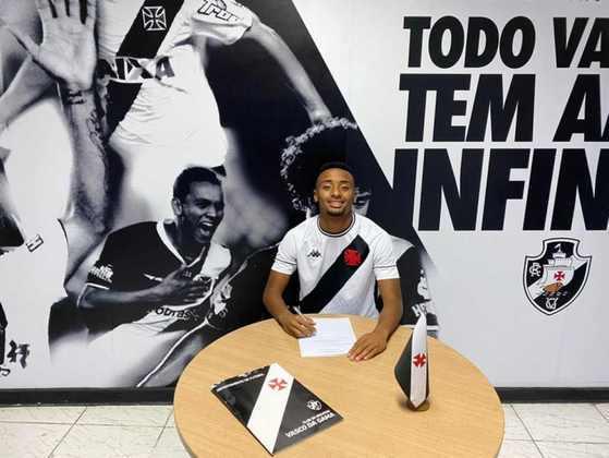 FECHADO - O Vasco segue fortalecendo sua base e reforçando os elencos em todas as categorias. Com isso, o atacante Cauã Paixão assinou seu primeiro contrato profissional com o clube carioca. O jovem, que nasceu em 2004, firmou um vínculo com o Cruz-Maltino até julho de 2024.