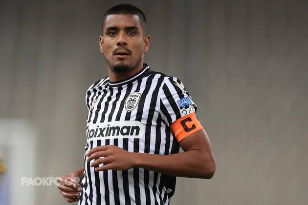FECHADO - O Vasco tem um novo lateral-direito: Léo Matos, de 34 anos, e que defende o PAOK, da Grécia, será liberado e assinará com o Cruz-Maltino por um ano. A informação foi publicada originalmente pelo site