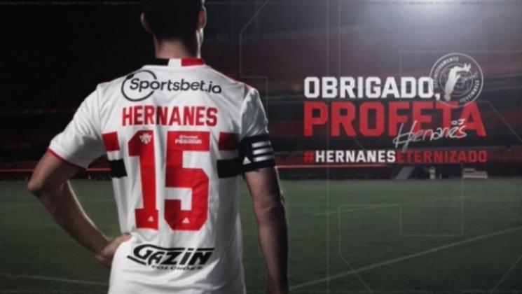 FECHADO - O volante Hernanes acertou a sua rescisão de contrato com o São Paulo. Aos 36 anos, o Profeta despediu-se do Tricolor após sua terceira passagem pelo clube com uma emocionante carta.
