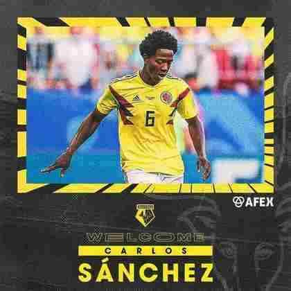 FECHADO - O Watford contratou o volante Carlos Sanchez, que estava livre no mercado.