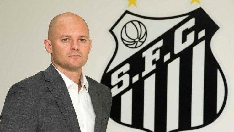 FECHADO - Oficialmente Diretor Técnico de Futebol do Santos, mas atuando como superintendente, William Thomas pediu demissão do cargo na manhã desta quinta-feira. Ele era contrário à demissão de Jesualdo Ferreira.