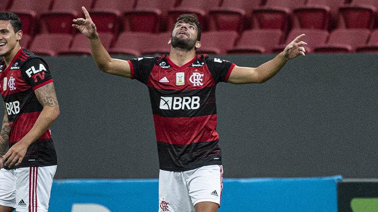 FECHADO - Pepê está de malas prontas para deixar o Flamengo. Nesta quinta-feira, o meia foi ao Ninho do Urubu se despedir dos companheiros, comissão técnica e demais funcionários do clube antes de embarcar e acertar com o Cuiabá por três anos.