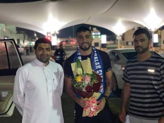 FECHADO - Principal destaque do Muharraq nos últimos anos, o atacante Everton, ex-Marítimo e Sport, assinou com o Al Adalah para a próxima temporada.