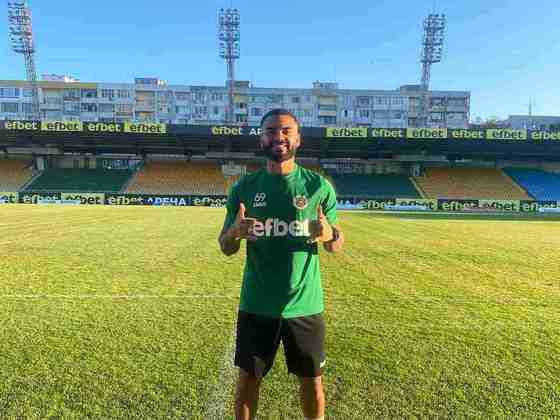 FECHADO - Revelado pelo Goiás e também com passagem pelas categorias de base do Palmeiras, o lateral-esquerdo Igor Manzoli, mais conhecido como Goié, de 23 anos, acertou a sua ida para o Neftochimik Burgas, da Bulgária. O brasileiro já atuou na Bulgária na temporada 2019/2020, quando defendeu o Tryavna. Goié falou sobre a expectativa para a temporada.