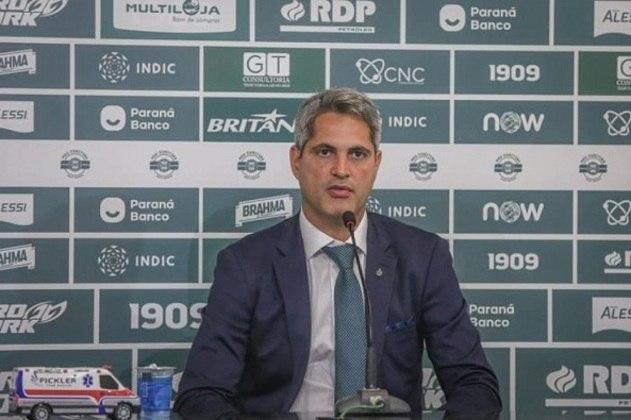 FECHADO - Rodrigo Santana foi apresentado como novo técnico do Coritiba nesta terça-feira. O profissional de 38 anos substitui Jorginho, que acabou demitido após uma série de resultados ruins.