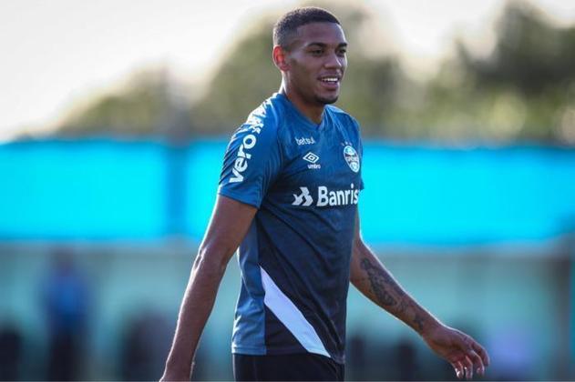 FECHADO -  Ruan, defensor do Grêmio, foi comprado pelo Sassuolo em definitivo, porém o zagueiro fica disponível a Felipão e seus pares até o término do Campeonato Brasileiro 2021.