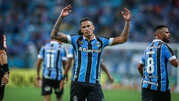 FECHADO - São Paulo e Grêmio acertaram a troca de Luciano por Everton. A negociação foi concluída na noite de segunda. O atacante Luciano chega ao São Paulo com contrato válido até dezembro de 2022, mesmo período do vínculo que tinha com o Grêmio.