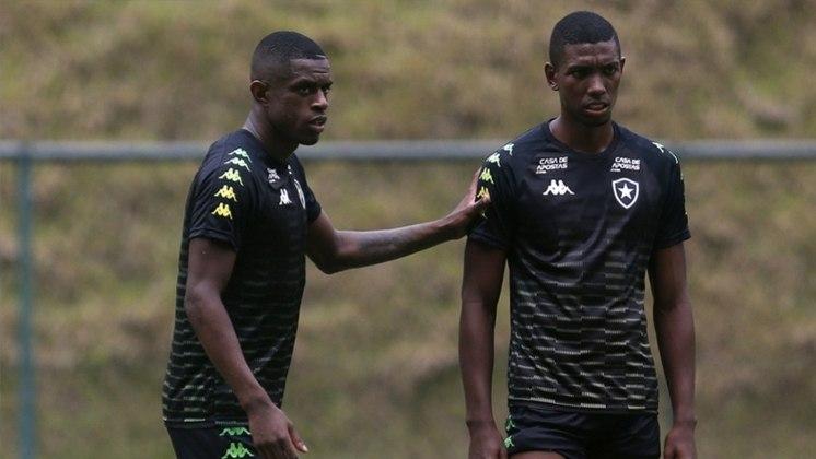 FECHADO - Se não consegue contratar, o Botafogo pelo menos faz questão de garantir que não vai perder nenhum jogador importante. Na última quarta-feira, depois de anunciar a renovação de Caio Alexandre, o clube protocolou a extensão dos vínculos de Marcelo Benevenuto e Kanu.