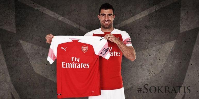FECHADO - Sokratis rescindiu o seu contrato com o Arsenal e está livre no mercado para assinar com qualquer clube.