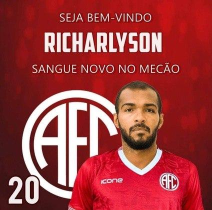 FECHADO - Tem reforço famoso no América-RJ para a disputa do Campeonato Carioca. O clube anunciou a contratação do volante Richarlyson, de 37 anos, que teve grande passagem pelo São Paulo. O último clube de Richarlyson tinha sido o Noroeste-SP, por onde disputou o Paulistão A3 deste ano.