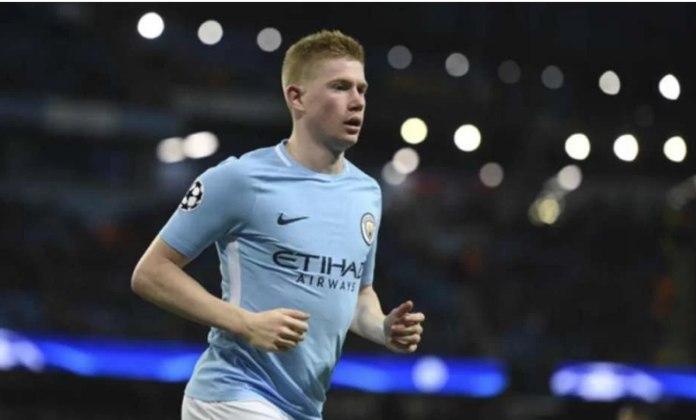 Fechando a lista aparece De Bruyne, na décima colocação. O meia belga, de 28 anos, que atua no Manchester City, vale 130 milhões de euros (cerca de 687 milhões de reais). O seu valor não teve alterações