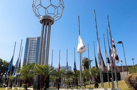 Federação e clubes aguardam resposta
