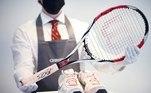 O suíço, vencedor de 20 torneios de Grand Slam e considerado por muitos como o maior tenista da História, disponibilizará itens como tênis e raquetes em duas vendas, que acontecerão em junho e julho, para arrecadar dinheiro para sua fundaçãoVeja mais:CR7 compra mansão de R$ 16 milhões para a mulher em Madri