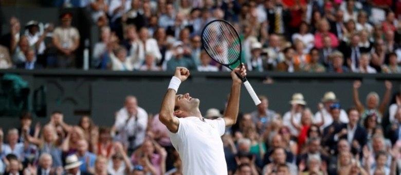 Federer comemora vitória sobre Nadal