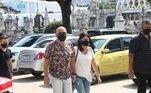 O músico fazia uso de máscara facial para se proteger do novo coronavírus