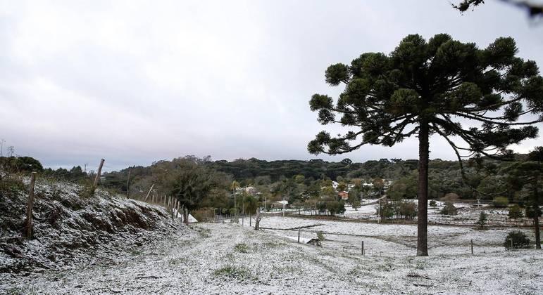 Neve: cidades brasileiras no sul do país registram fenômeno raro