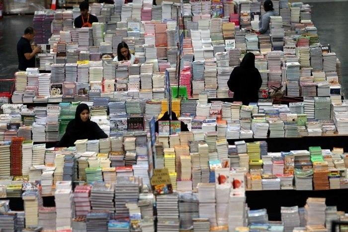 'Maior feira literária do mundo' leva 3 milhões de livros para Dubai
