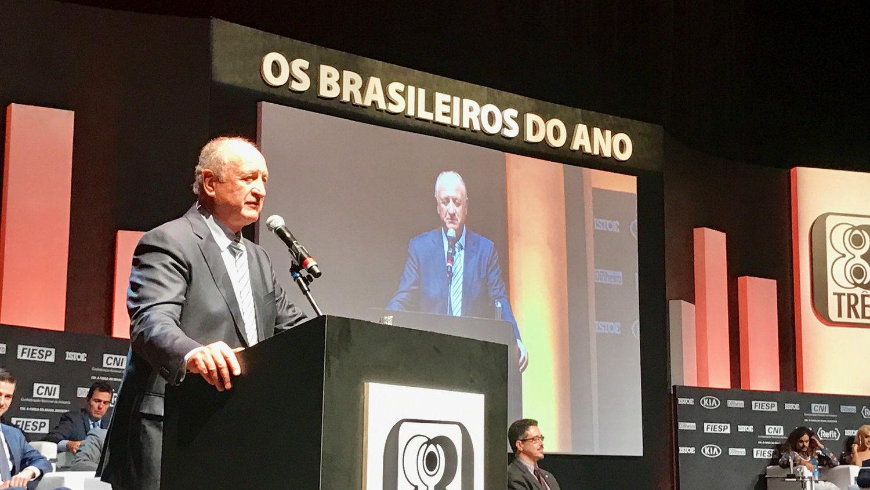1038b8d75 Felipão se vinga de Galvão Bueno e da CBF. Globo apela para Carioca -  Prisma - R7 Cosme Rímoli