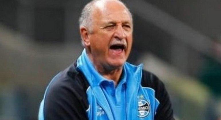Felipão fará 73 anos no próximo mês. Time do Grêmio cansou de seu esquema defensivo, com medo