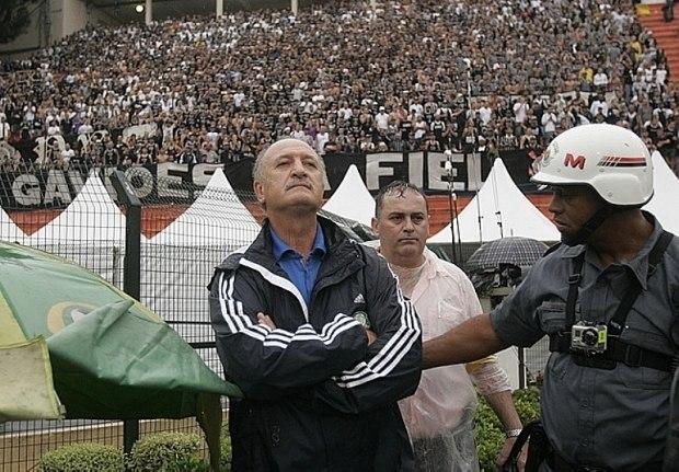 Felipão tem muitos defensores no Corinthians. Incendiaria o Parque São Jorge