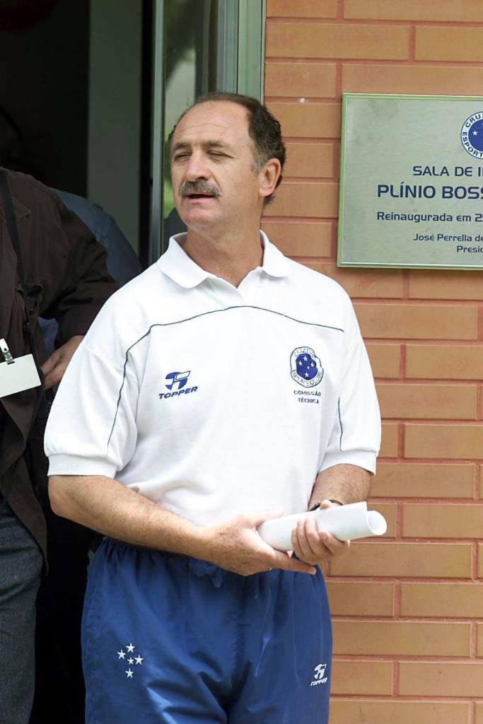 Felipão há 20 anos assumia o Cruzeiro. Sairia direto para a Seleção Brasileira