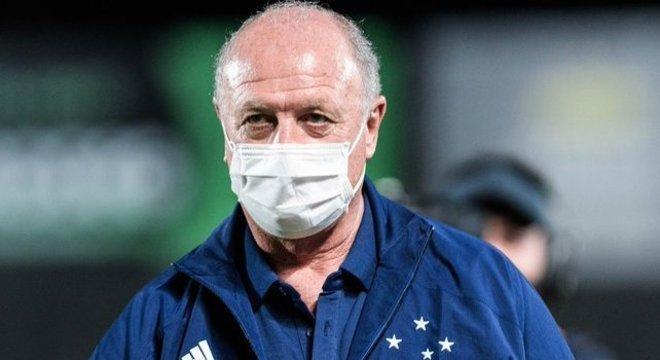 Felipão venceu na estreia do Cruzeiro. Mas não se deixou enganar. Seu time é fraco