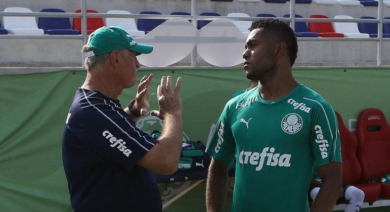 A ironia. No Palmeiras, Felipão preferia Deyverson a Borja