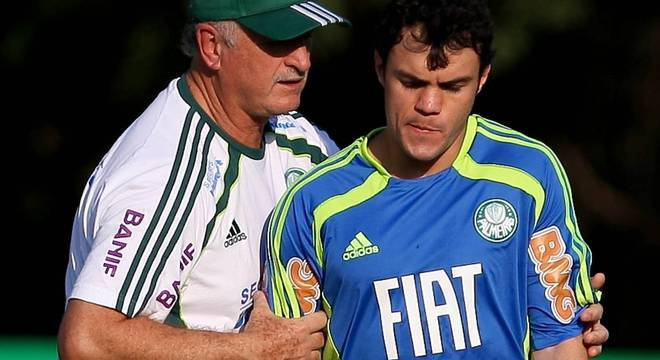 Com Kléber, Felipão mostrou o que espera Dudu e Lucas Lima. Acabou o mimo