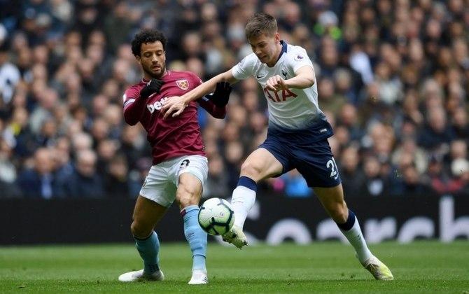 Felipe Anderson - Time: West Ham (Inglaterra) - Posição: Ponta-esquerda - Idade: 28 anos - Contrato até: 30/06/2022