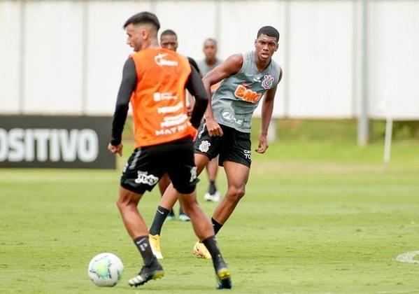 Felipe Augusto - atacante - 17 anos - Chegou ao Corinthians em 2017 e integra o elenco sub-20 do clube. É o mais jovem da lista de jogadores chamados por Mancini para treinar com o profissional.