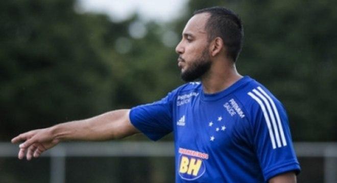 Felipe Augusto deixou o América-MG e acertou com o Cruzeiro