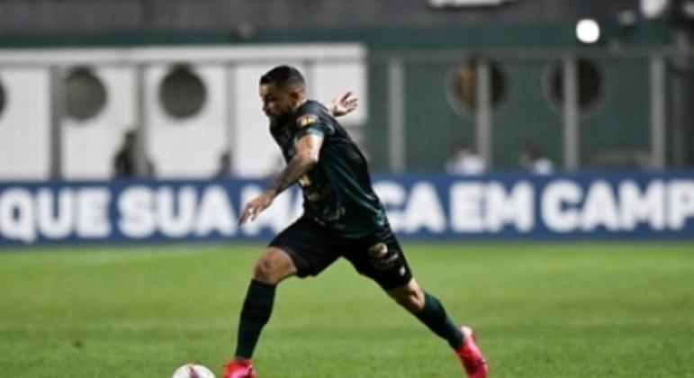 Felipe Azevedo tem feito uma boa temporada no Coelho em 2020