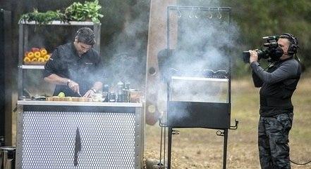 """Felipe Bronze bota a mão na massa no """"Top Chef"""""""