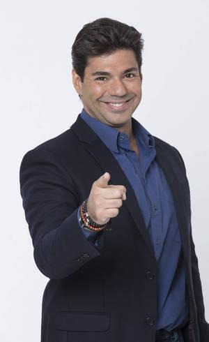 Felipe Bronze apresenta o Top Chef Brasil, toda quarta-feira