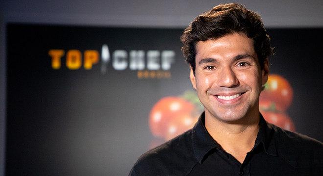 O apresentador Felipe Bronze comanda a segunda temporada do Top Chef Brasil