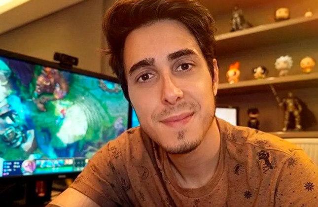 Felipe Castanhari - Dono do canal Nostalgia, que conta com 13,2 milhões de inscritos, ele é torcedor do São Paulo.