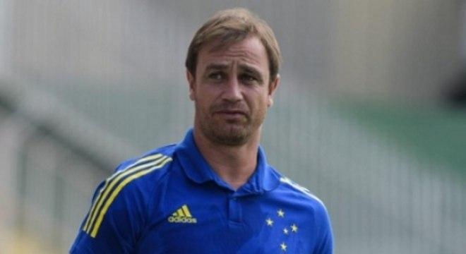 Felipe Conceição elogiou a atuação do time e viu nova evolução da equipe
