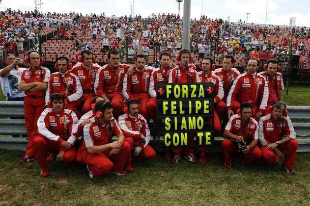 Felipe foi vítima de um forte acidente no GP da Hungria de 2009: uma mola se desprendeu do carro de Barrichello e acertou o piloto em cheio