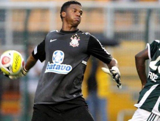 Felipe - goleiro - 37 anos - Jogou no Corinthians entre 2007 e 2010. Fez parte da reconstrução do clube após a Série B. Hoje defende o Botafogo-PB