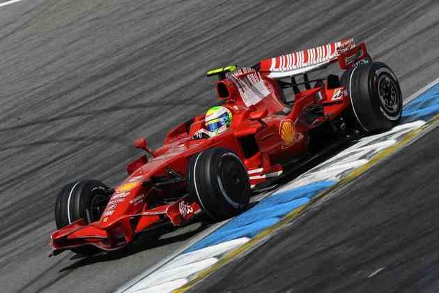 Felipe Massa chegou a ser campeão mundial de Fórmula 1 por alguns segundos em 2008. No fim, ficou com o vice e o sentimento de que poderia ter marcado ainda mais o nome na história da equipe