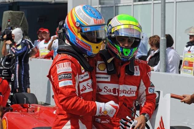 Felipe Massa vinha para a vitória do GP da Alemanha quando recebeu a infame mensagem 'Fernando is faster than you...'