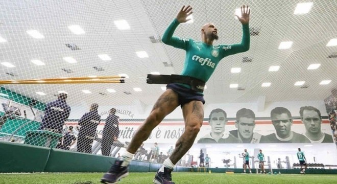 Felipe Melo tem contrato até dezembro de 2021, mas pode sair antes
