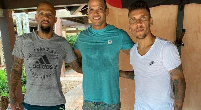 Felipe Melo e Marcos Rocha. Palmeiras: férias forçadas até 30 de abril
