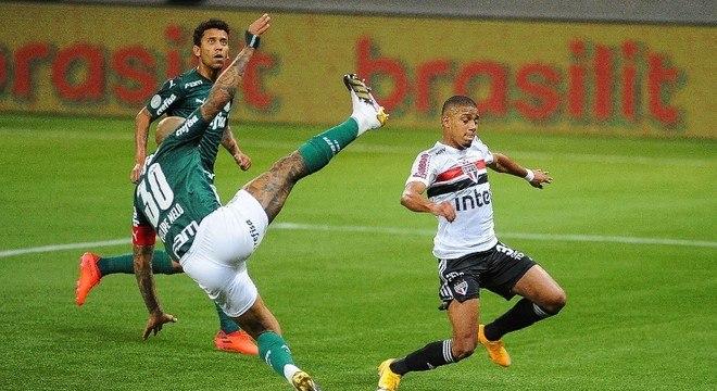 Felipe Melo não conseguiu impedir a derrota do Palmeiras