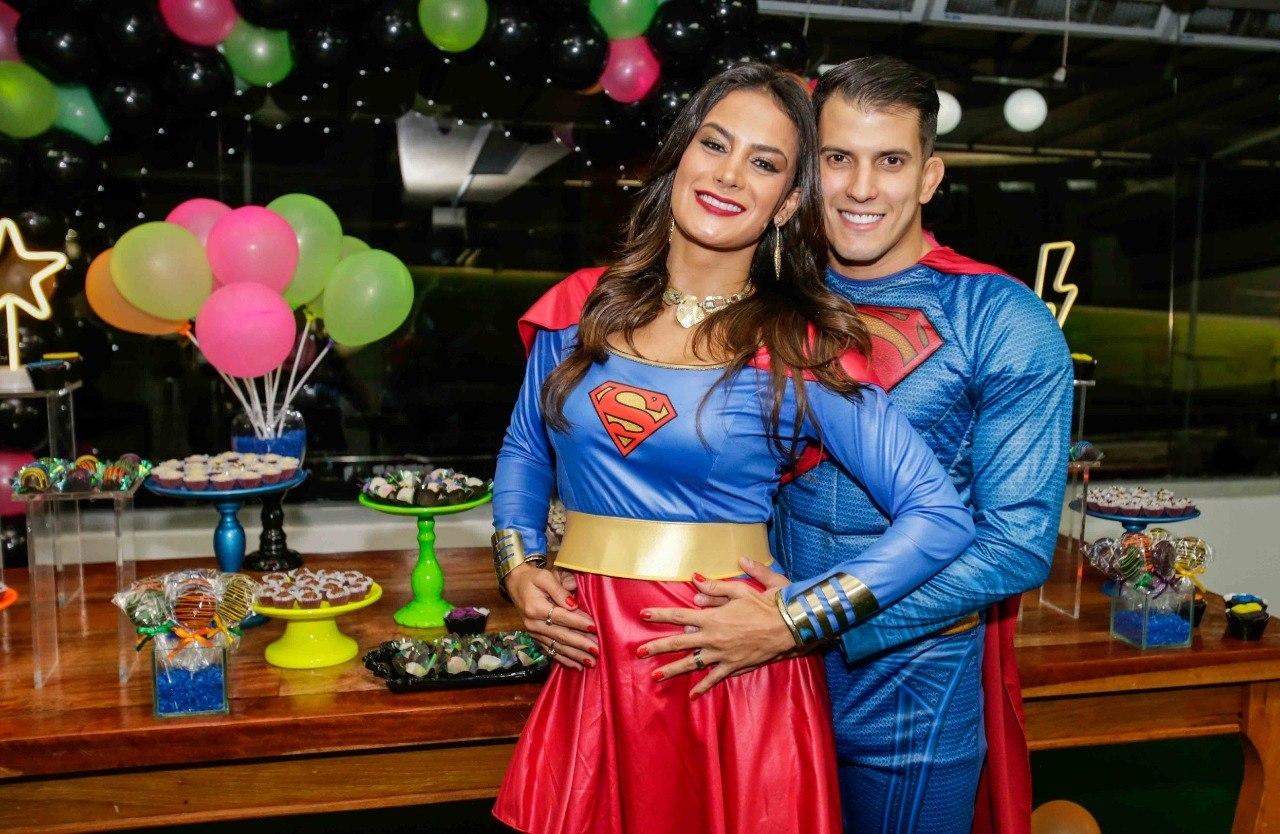 d437d6c48 Felipe Sertanejo celebra aniversário com festa à fantasia e ex-peões ...